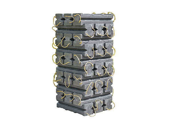 Gallery Picture 1 for SUPER STACKER CRIBBING BLOCKS, 30 PC. KIT