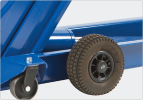 accessories-pneumatic_tyres-g4_detail1