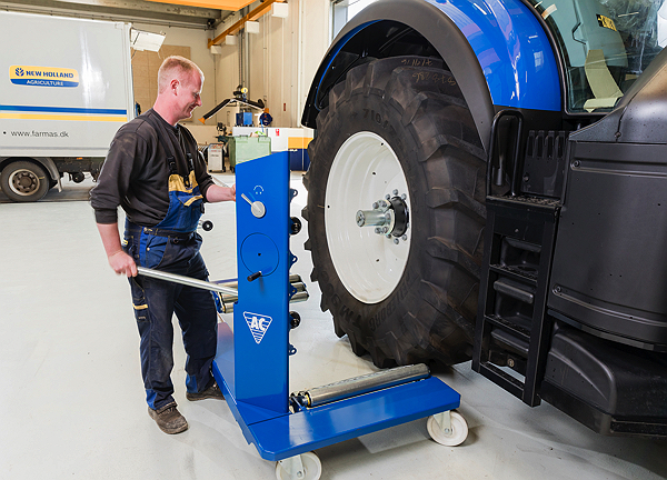 Image for AC HYDRAULIC AG WHEEL TROLLEY, 1.5 TON